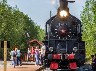 Пассажиры смогут проехать на ретропоезде «Рускеальский экспресс» за полцены